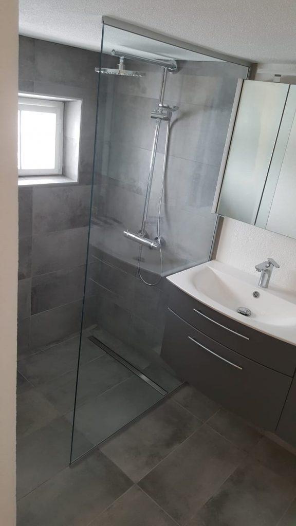 Ihr Neues Badezimmer Von Der Sanierung Bis Zum Fliesentausch Fliesenleger Meisterbetrieb George Peia